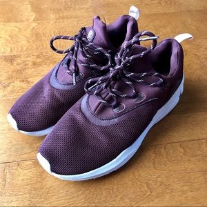 Champion Exert Knit Athletic Sneakers Burgundy